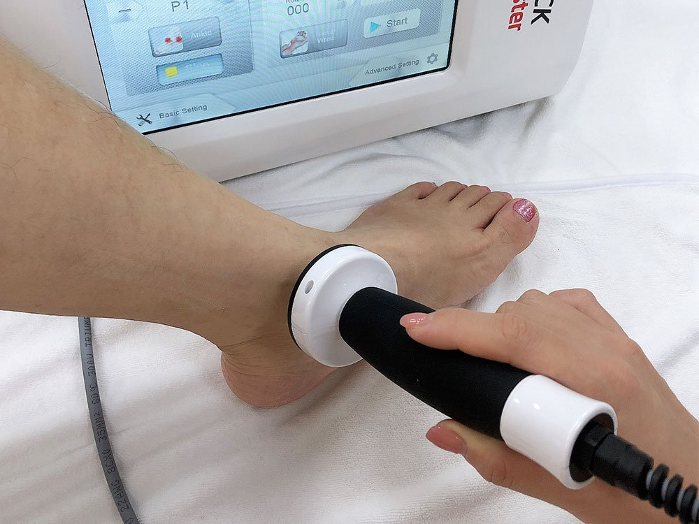 operation demo of ultrasound physiotherapy & eswt 2in1 machine